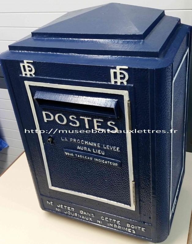 ancienne boite aux lettres ptt 1951 1962 et objets anciens. Black Bedroom Furniture Sets. Home Design Ideas